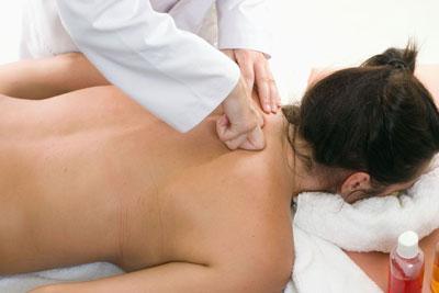 Боли при шейной гриже: види и лечение