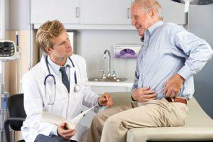 Дедушка у врача