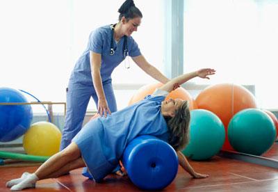 Упражнения при остеохондрозе: лечебние комплекси